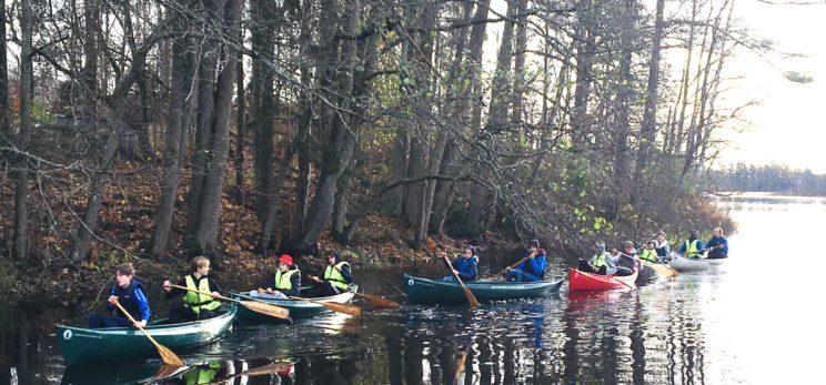 teambuilding canoe kayak river canal family