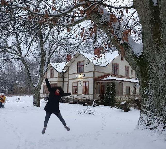 winter snow cold wonderland cafe