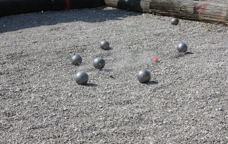 difference between boules bocce petanque explained